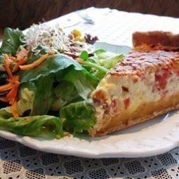 Torta de tomate + salada padrão.
