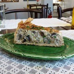Fatia de torta de cogumelos ( VEGANA E SEM GLÚTEN ).