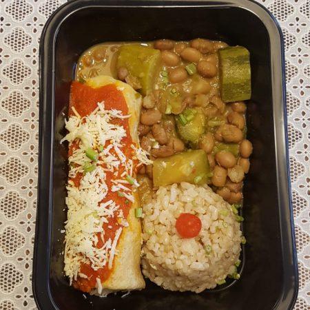 9- Feijão carioca com abobrinha brasileira, arroz integral cateto, panqueca integral de palmito ao molho de tomate.